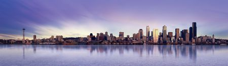 seattle: Panoramic Image of the city of Seattle at sunset