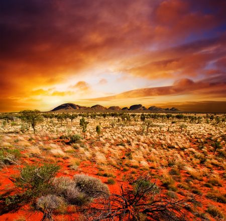 Sunset over a central Australian landscape Foto de archivo