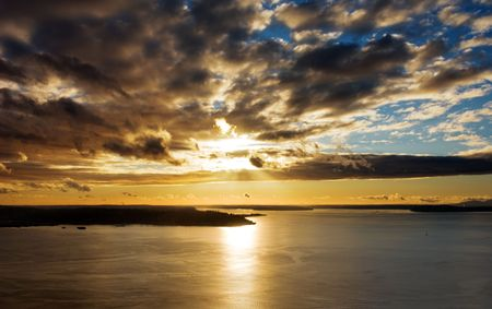 puget: Gorgeous sunset over Puget Sound in Seattle