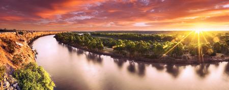 Zonsondergang op de Murray River, Zuid-Australië Stockfoto