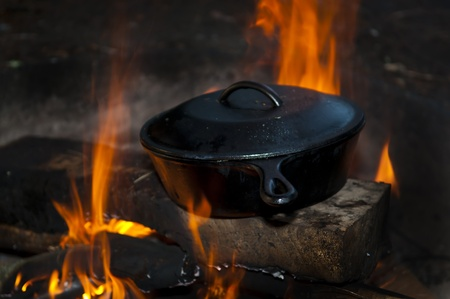 double oven: Cast Iron Pan on the open fire