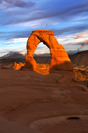 delicate arch: Delicate Arch against Beautiful Sunset Sky