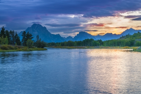 turnout: Amazing Sunset over Grand Tetons taken from the Oxbow Bend Turnout Stock Photo