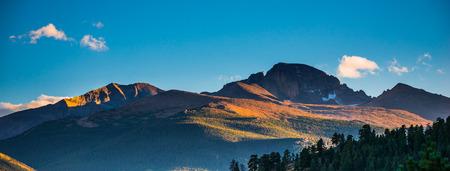 longs peak: Longs Peak (14,259 feet, 4,346 meters), Rocky Mountain National Park, Colorado, USA Stock Photo
