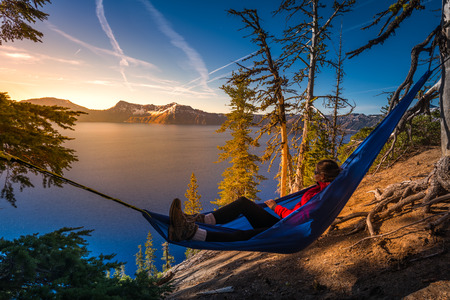 Woman Hiker Relaxing in Hammock Crater Lake National Park Oregon  Imagens