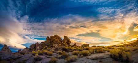 reno: Beautiful Rock Formations at Sunset Pyramid Lake Nevada