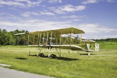 henri: 1910 HENRI FARMAN III vintage biplane on grass runway
