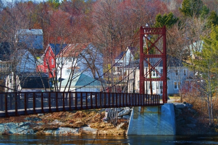 The Androscoggin Swinging Bridge leads into the small Maine town of Topsham Heights