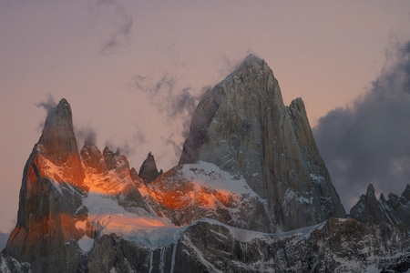 View of Mount Fitzroy during sunrise. Argentine Patagonia in Autumn 스톡 콘텐츠