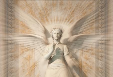 Standbeeld van vrouw engel met zoom blur. Notre Dame de Fourvière kathedraal. Lyon, Frankrijk, Europa.