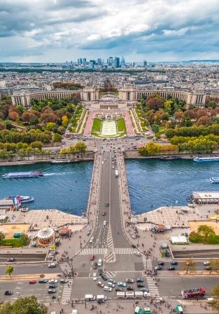 seine: Uitzicht op de rivier de Seine, Trocadero en La Defense van de Eiffeltoren. Parijs, Frankrijk, Europa.