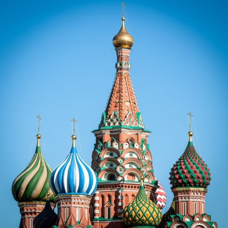 Wide angle view on the top of St  Basil Cathedral at nice summer day with clear blue sky in background  Most popular russian church located at the Red Square in the heart of Moscow, Russia  版權商用圖片