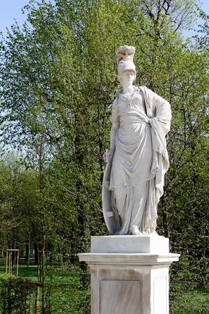nbrunn: An old statue in the garden of Sch�nbrunn, Vienna