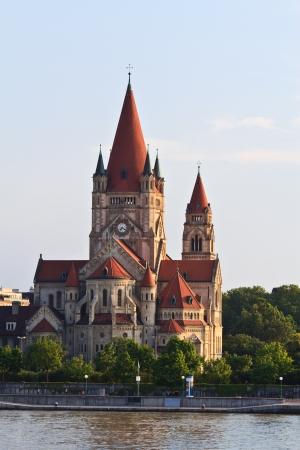 franz: Viennas catholic church devoted to Franz of Assisi