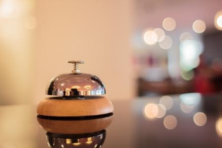 gastfreundschaft: Ein Service-Glocke in einem Hotel Lizenzfreie Bilder