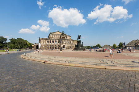 oper: The famous Semperoper in Dresden, Germany,
