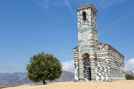 Landmark church San Michele de Murato in Corsica, France Imagens - 84773506