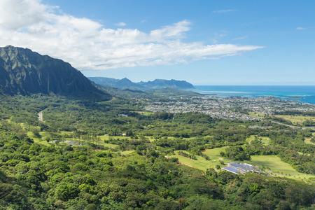Nu'uanu Pali lookout on Oahu, Hawaii, USA Imagens