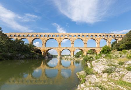 Roman aqueduct Pont du Gard near Avignon, Provence, France Imagens - 106513598