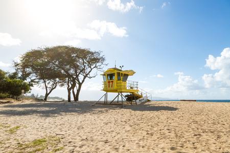 Beach with life guard hut near Paia, Maui, Hawaii Фото со стока