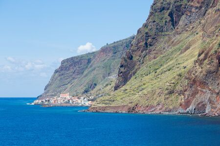 Village Paul do Marseen from Jardim do Mar on Madeira, Portugal Imagens