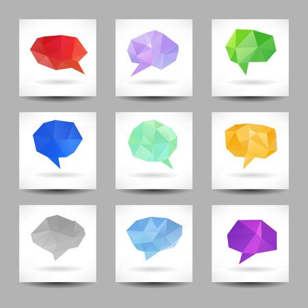 Set van tekstballonnen met abstracte driehoeken op de achtergrond