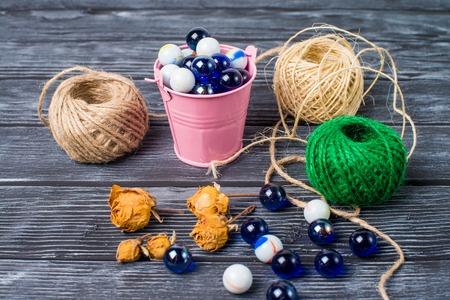 Ball of thread beads