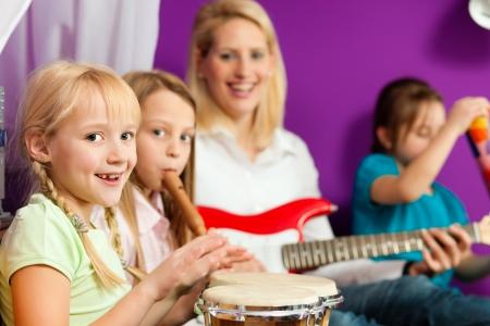 flute music: Family making music