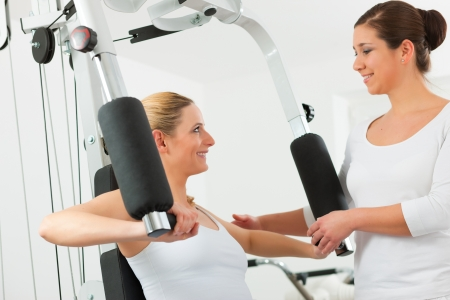 physical therapy: Patient at the physiotherapy