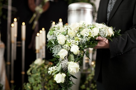 mourn: Religion, death and dolor  - funeral and cemetery; urn funeral