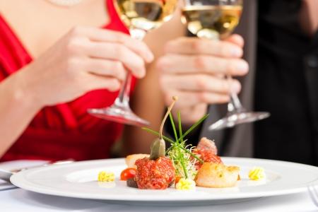 gourmet dinner: Dos para la cena rom�ntica o un almuerzo en un restaurante de vinos gourmet beber y comer