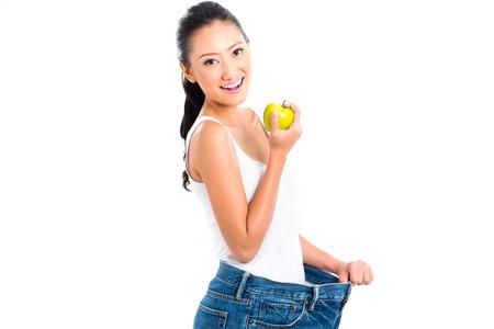 Aziatische vrouw het verliezen van gewicht met een dieet