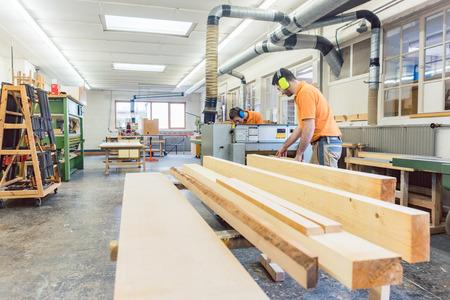 Veel houtwerk voor de timmerlieden en schrijnwerkers Stockfoto