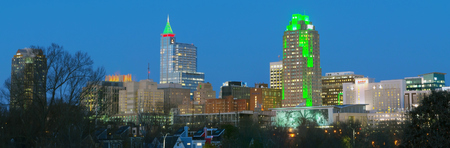 December 2017. View on Downtown Raleigh, NC USA at dusk during winter holidays Publikacyjne
