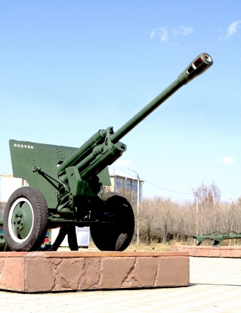 adolf: cannon from second world war