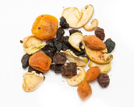 frutos secos: frutos secos, manzanas, peras, albaricoques, ciruelas, uvas