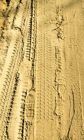 tread: trace of tire tread on the sand