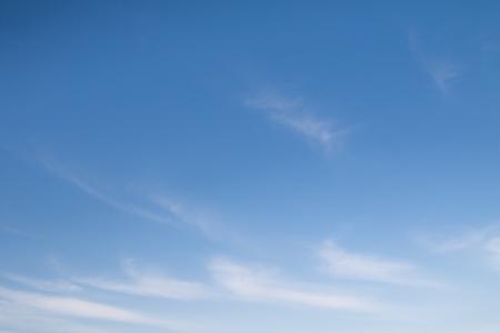 Beautiful light clouds on a blue sky 免版税图像