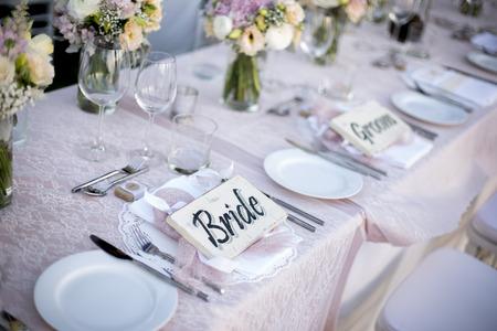 Table setting for an wedding reception 版權商用圖片