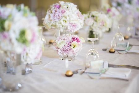wedding flowers: Wedding table setting