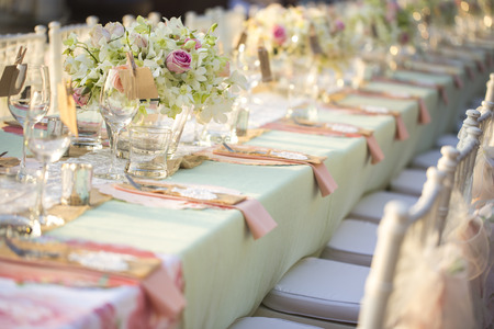Table setting for an wedding reception 스톡 콘텐츠