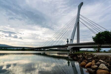 bridge at tamsui river 版權商用圖片