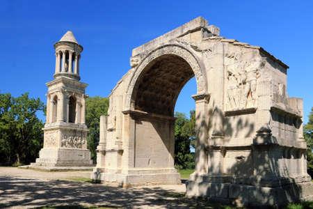 Ancient Roman remains in Saint-Rémy de Provence. Archivio Fotografico