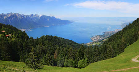 Aerial view of Lake Geneva from the rocks of Naye in Switzerland. Archivio Fotografico