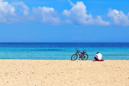 Ontspan op het strand, de lente in Mondello, Palermo, Sicilië Stockfoto