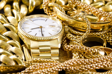 Jewelry, gold, necklaces, rings, bracelets, watch, wealth  Imagens
