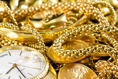 Sieraden, goud, kettingen, ringen, armbanden, horloge, rijkdom