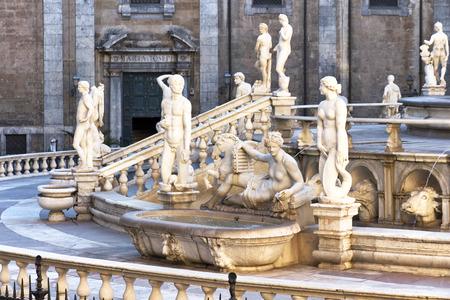 Palermo, Piazza Pretoria, ook wel bekend als het Plein van Shame, Piazza della vergogna