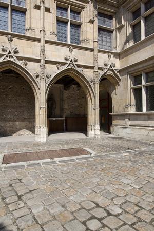 medioevo: Cluny Museo del Medioevo, Paris Editoriali