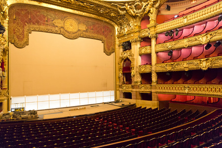PARIS, August 4, 2014: Interior view of the Opera National de Paris Garnier, France.  It was built from 1861 to 1875 for the Paris Opera house 報道画像